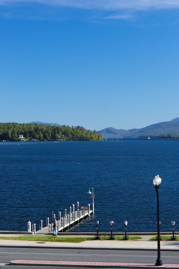 Embarcadero en el lago George, NY, los E.E.U.U. imagen de archivo
