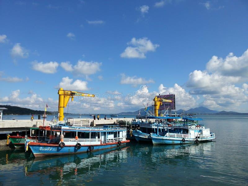 Embarcadero en la isla de Samed imagenes de archivo