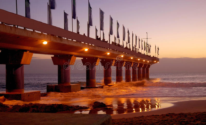 Embarcadero en Port Elizabeth en la salida del sol fotos de archivo libres de regalías