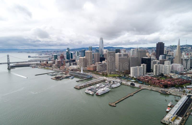 Embarcadero in San Francisco Oostelijke waterkant van de Haven van San Francisco stock afbeelding