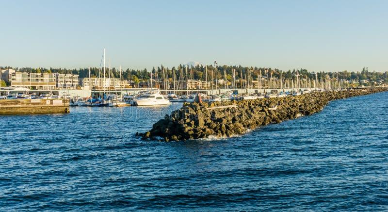 Embarcadero y puerto deportivo de la roca imágenes de archivo libres de regalías