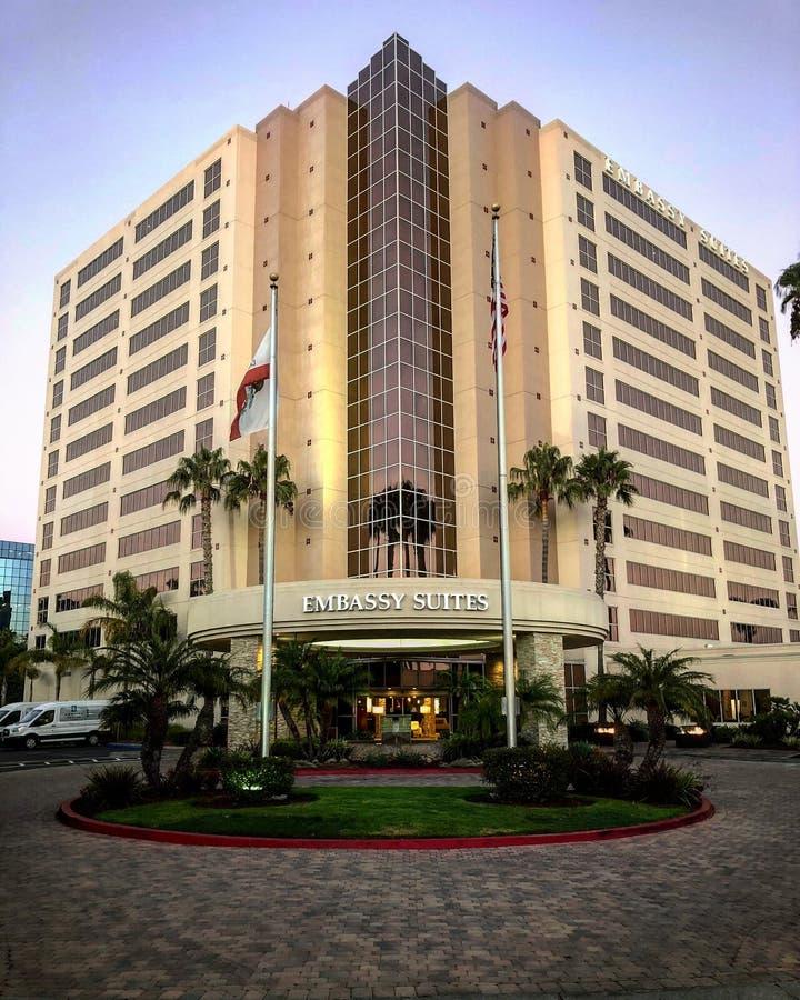 Embassy Suites入口在圣迭戈 免版税图库摄影