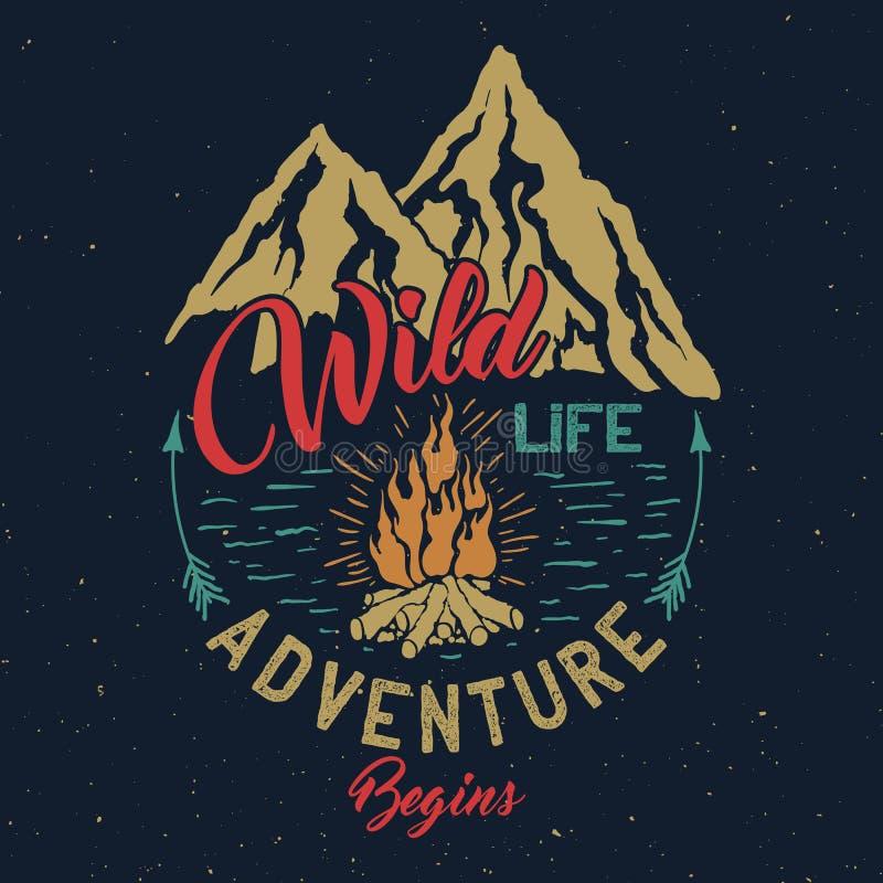 Emblème extérieur de vintage d'aventure illustration stock