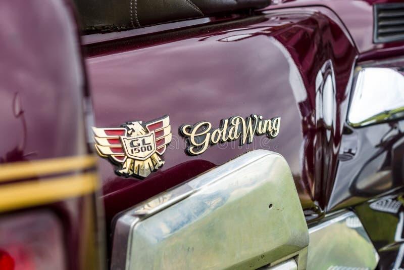 Emblem av en turnera motorcykel Honda Gold Wing GL1500 royaltyfria foton