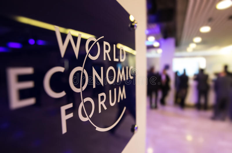 Emblem av World Economic Forum i Davos royaltyfria bilder