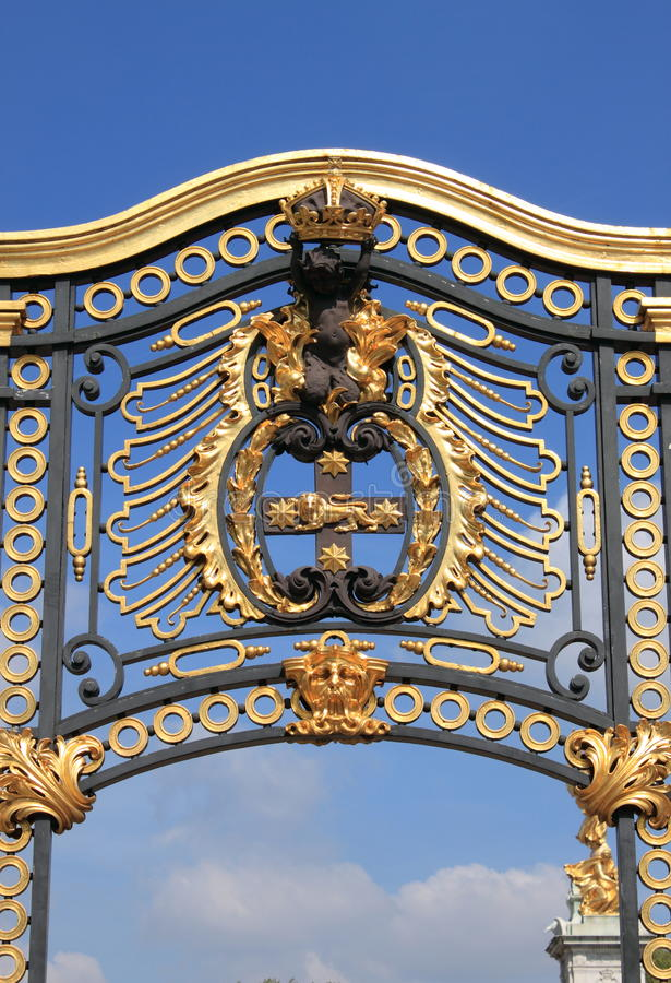 Emblem in Buckingham Palace royalty free stock photography