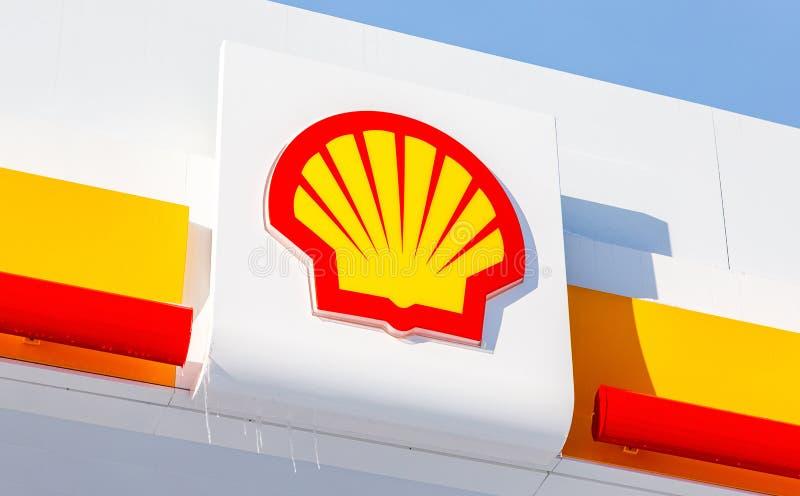 Emblem des Royal Dutch Shell-Ölkonzerns lizenzfreie stockbilder
