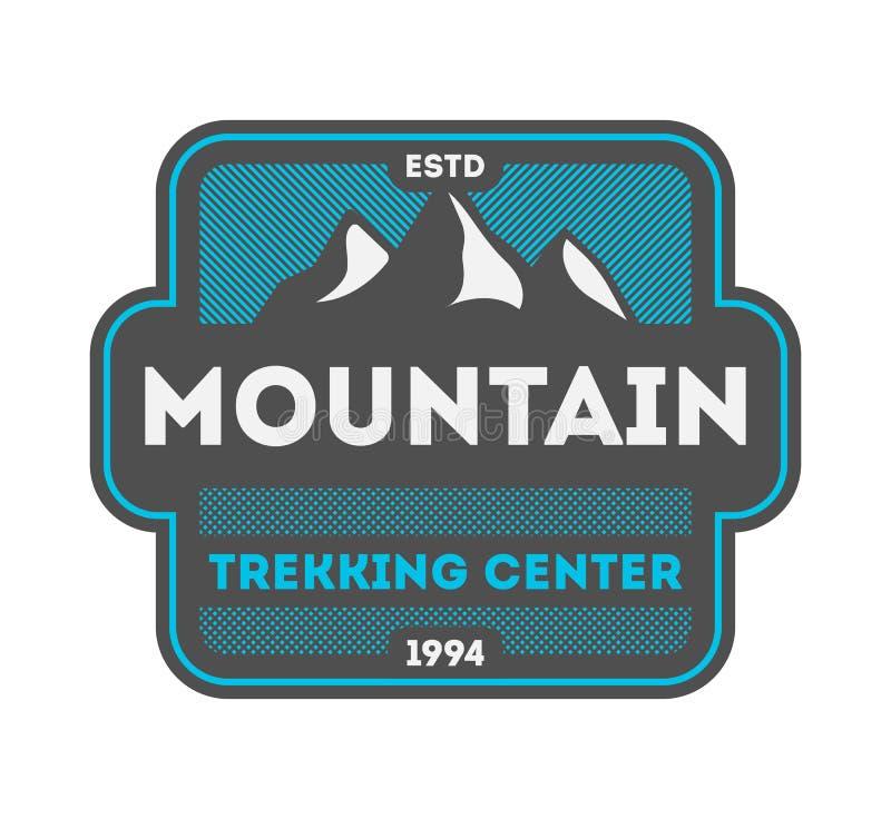 Emblem för mitt för berg trekking isolerat tappning vektor illustrationer