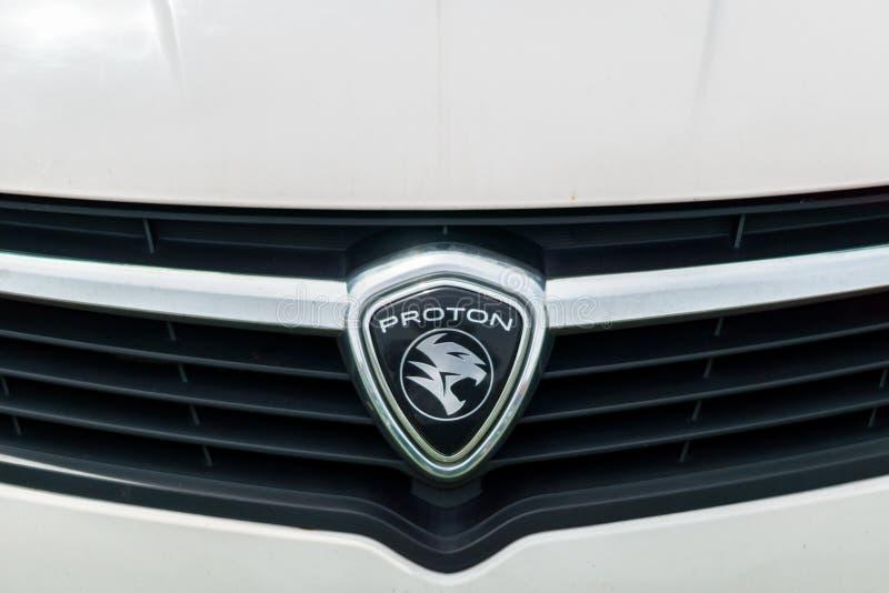Emblem för Proton företagslogo på bilen royaltyfria foton