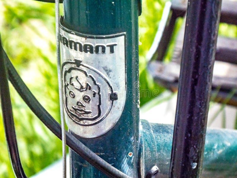 Emblema da bicicleta de Diamant fotos de stock royalty free