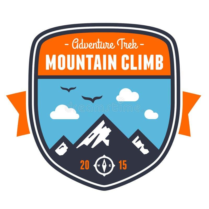 Emblema del distintivo di avventura della montagna royalty illustrazione gratis