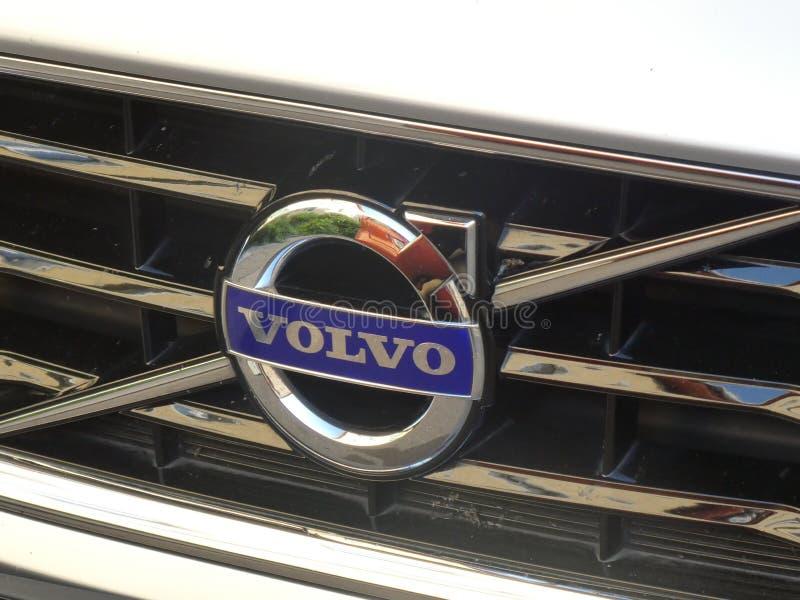 Emblema do carro de Volvo fotografia de stock royalty free