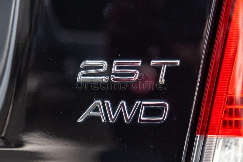 Emblema posteriore 2 5 litri di vista awd dei supporti usati neri dell'automobile di Volvo S60 nella vendita automatica della sal immagine stock libera da diritti