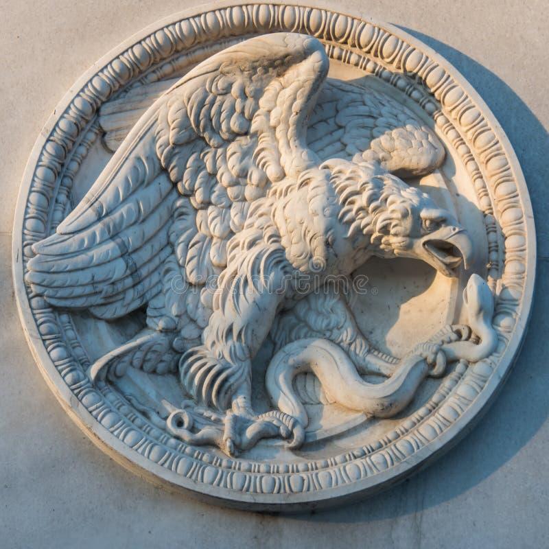 Emblema redondo alemão de Eagle da pedra fotografia de stock