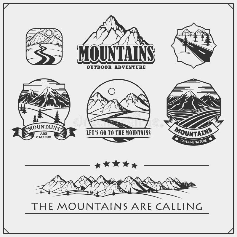 Emblemas del club, insignias y elementos del diseño que acampan Sistema retro de turismo de la montaña, bosque que acampa, aventu stock de ilustración