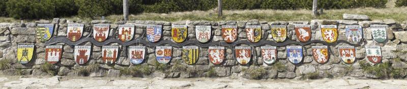 Embleme der Städte entlang Labe Fluss lizenzfreie stockbilder