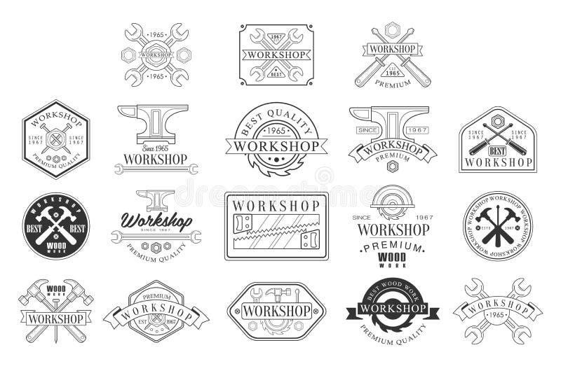 Emblemi in bianco e nero dell'officina di legno Logo monocromatico di progettazione grafica di vettore classico di stile royalty illustrazione gratis