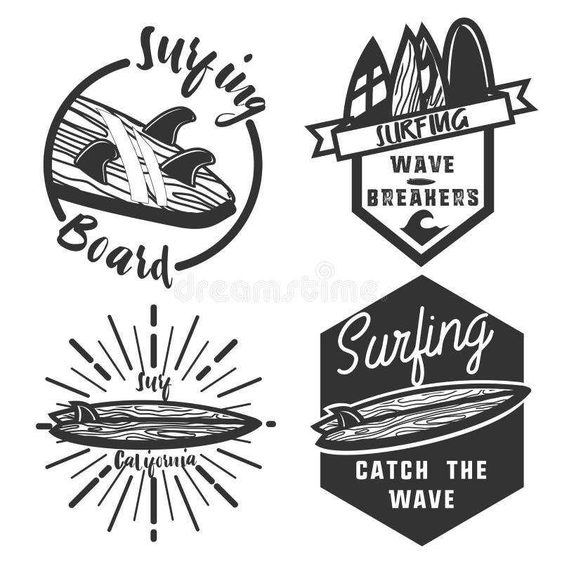 Emblemi praticanti il surfing dell'annata illustrazione di stock