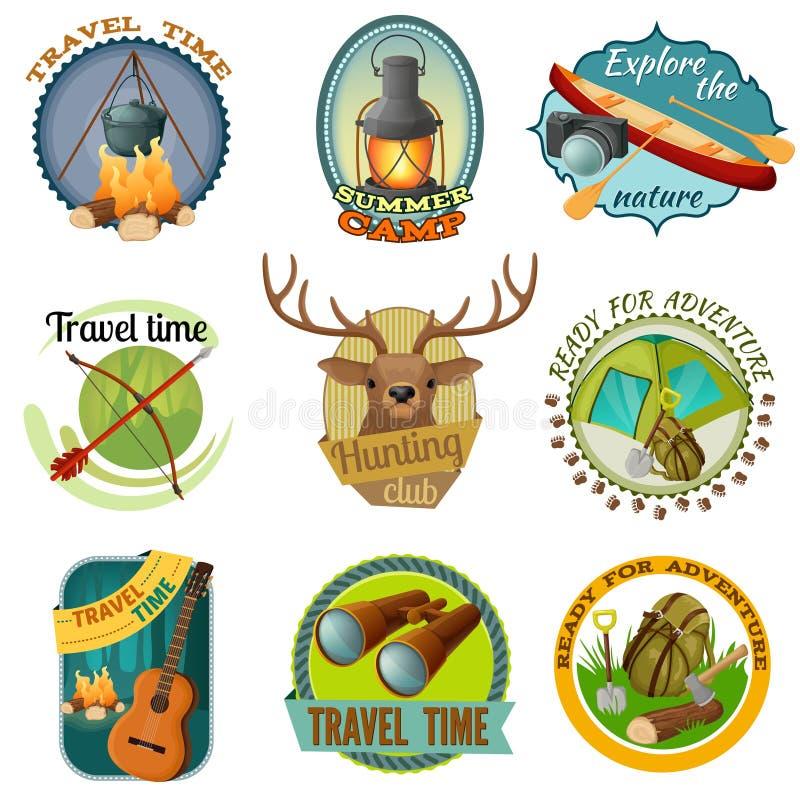 Emblemi variopinti di campeggio royalty illustrazione gratis