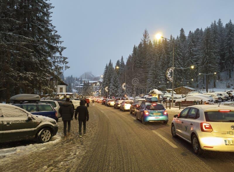 Embouteillage en Poiana Brasov, Roumanie image libre de droits