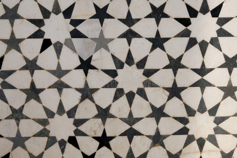 Embutido de mármol en la fachada de la tumba de Akbar. La India fotos de archivo libres de regalías