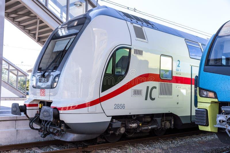 Emden, basse-saxe/Allemagne - 14 07 18 : le nouveau train d'IC de Deutsche Bahn emden dedans l'Allemagne photo stock