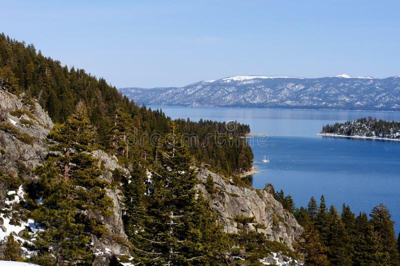 Emerald bay immagine stock immagine di lago foresta for Cabina nel noleggio lago tahoe