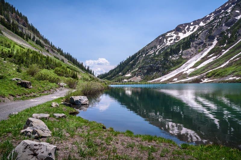 Emerald Lake, mota con cresta, Colorado fotografía de archivo libre de regalías