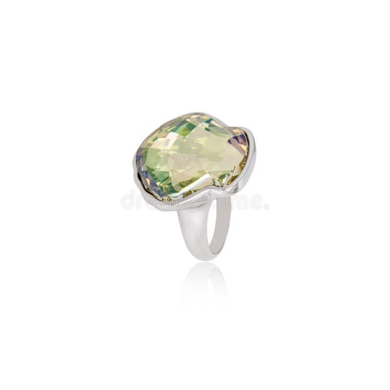 Emerald Ring isolou-se no branco foto de stock royalty free