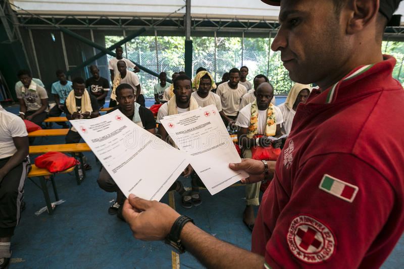 Emergenza di immigrazione in Italia fotografia stock libera da diritti