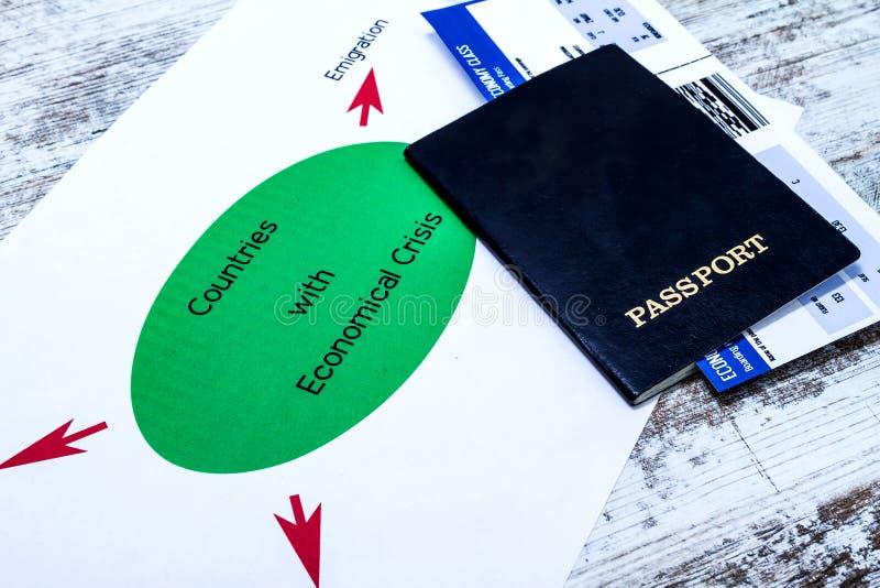 Emigration är en följd av den ekonomiska krisen arkivfoton
