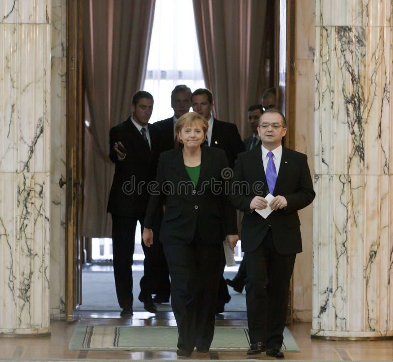 Emil Boc en Angela Merkel bij het Paleis van Victoria royalty-vrije stock afbeeldingen