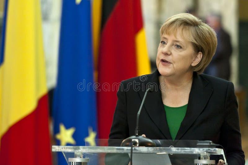 Emil Boc und Angela Merkel am Victoria-Palast lizenzfreie stockbilder