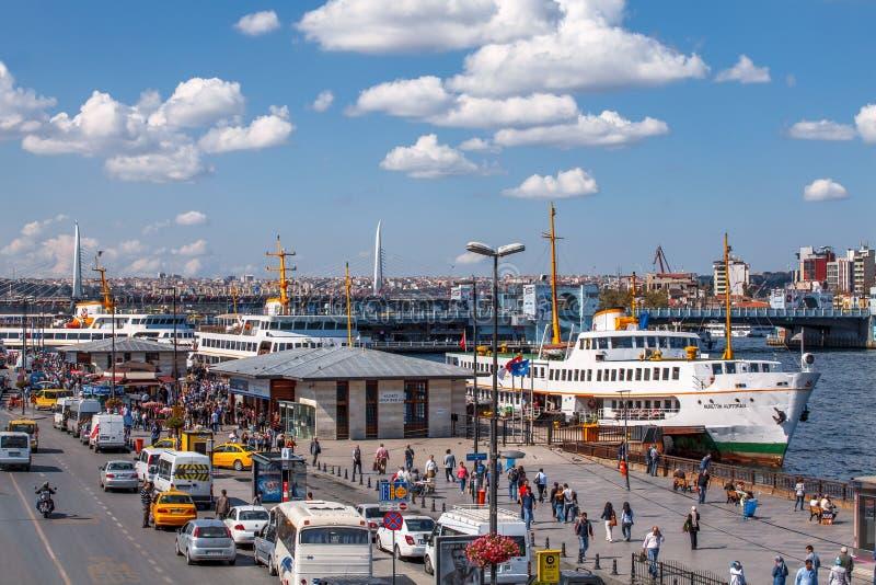 Eminonu - Istambul no dia de verão imagem de stock royalty free