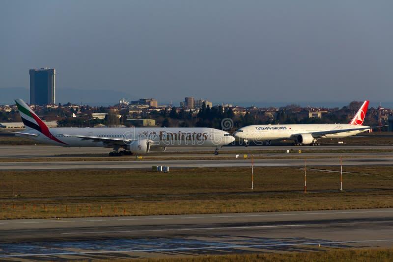 Emiraten versus Turkish Airlines royalty-vrije stock afbeeldingen