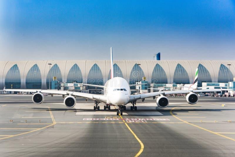 EmiratflygbussDubai flygplats arkivbilder