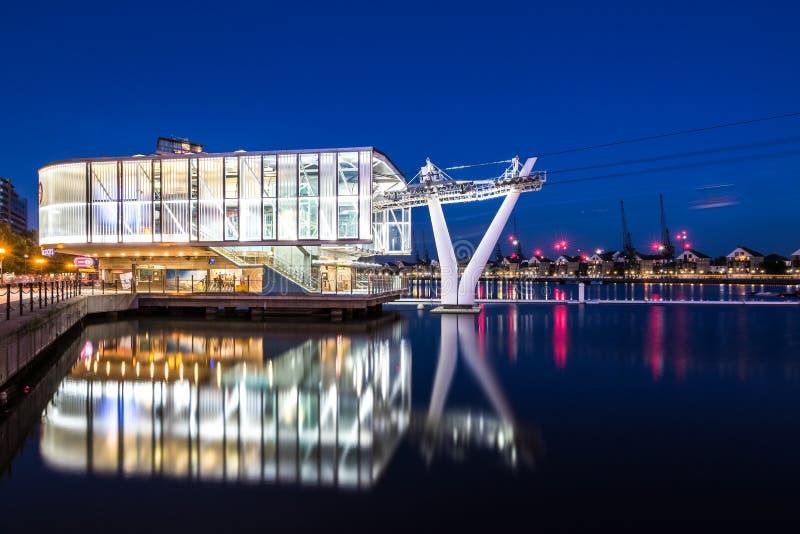 Emiratluftlinjen eller Themsenkabelbilen arkivfoton