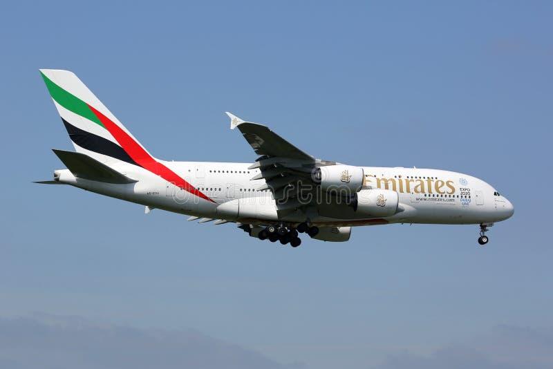 Emiratu Aerobus A380 Londyński Heathrow samolotowy lotnisko fotografia stock