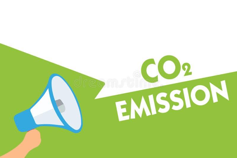 Emissão de CO2 do texto da escrita da palavra Conceito do negócio para liberar-se dos gáses de estufa no loudspe do megafone da a ilustração stock