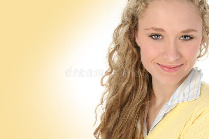 Emma en jaune photographie stock