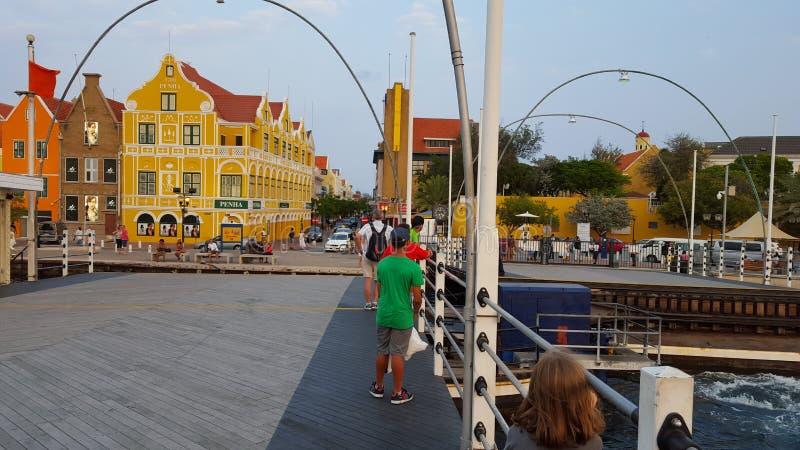 @ Emmabrug en Willemstad, Curaçao foto de archivo