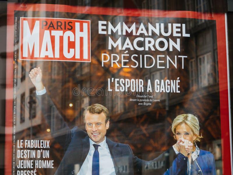 Emmanuel Macron met zijn vrouw Brigitte Trogneux op Paris Match p stock foto's