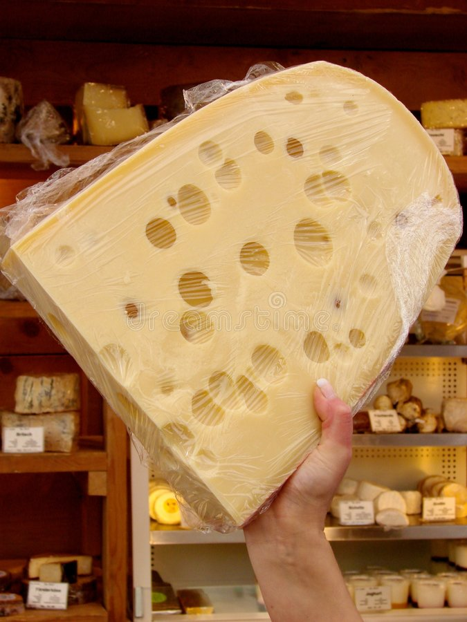 Emmenthal, queijo suíço imagens de stock