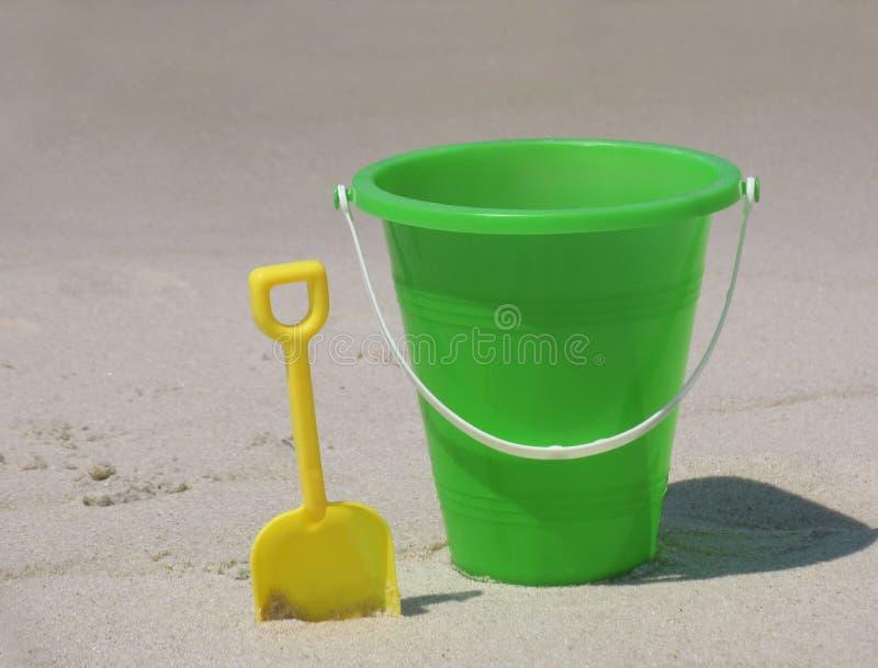 Emmer op het strand stock afbeelding