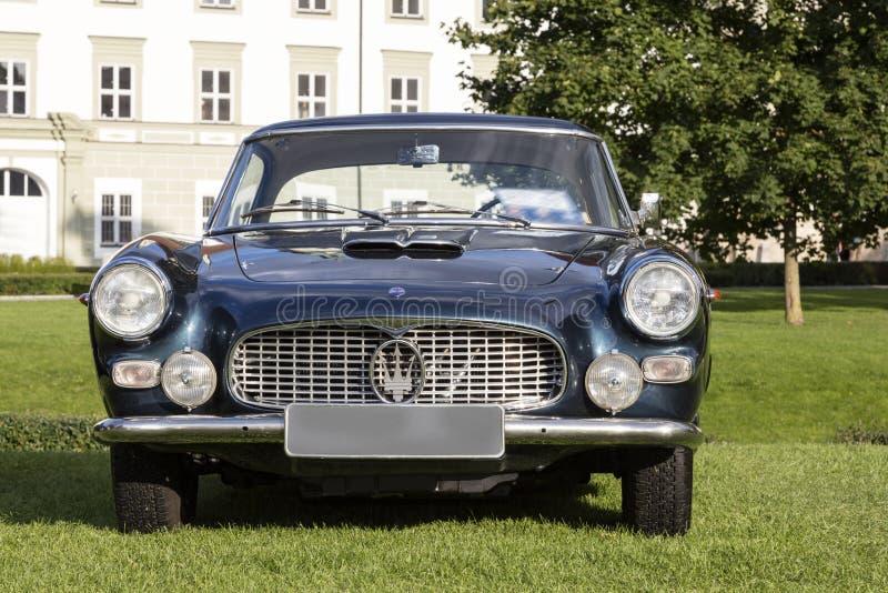 Emmering Tyskland, 19 September 2015: Maserati tappningbil royaltyfria foton