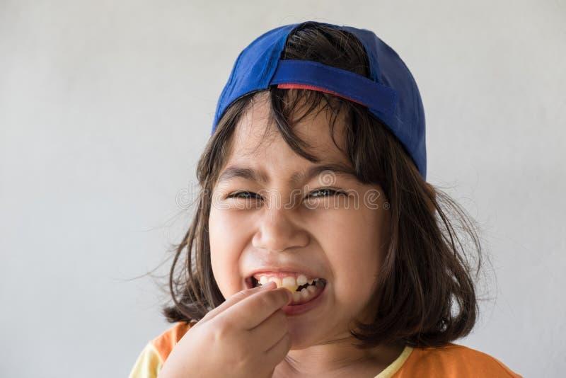 Emociones del amargo en la cara de la muchacha imágenes de archivo libres de regalías