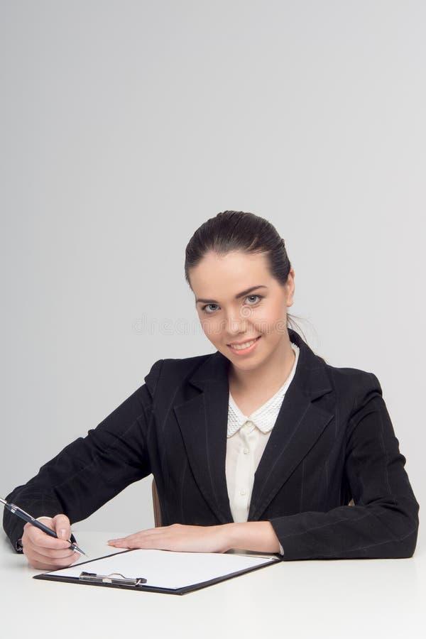 Emocjonalna biznesowa dama z dokumentami obraz royalty free