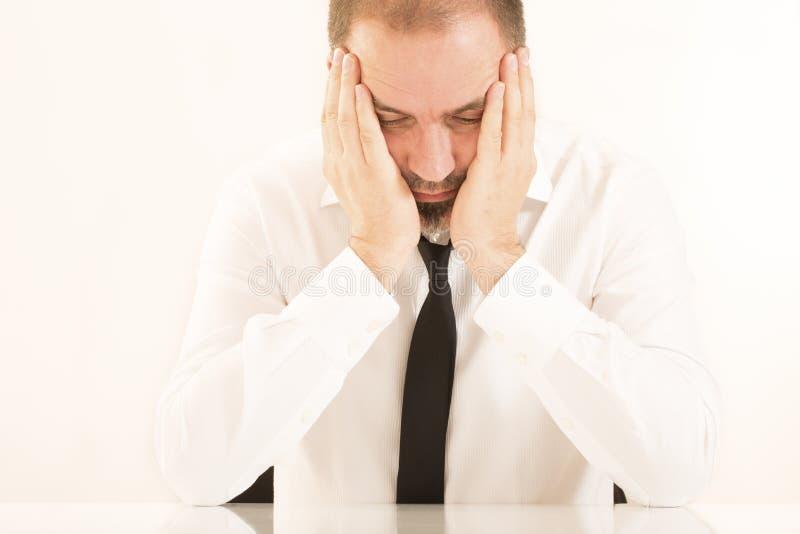 Emocjonalnego stresu biznesowy mężczyzna zdjęcie royalty free