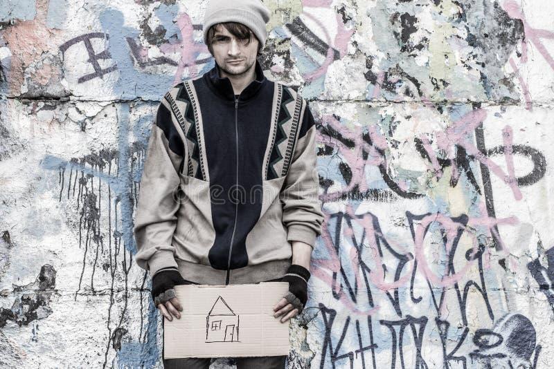 Emocjonalny bezdomny mężczyzna obraz royalty free
