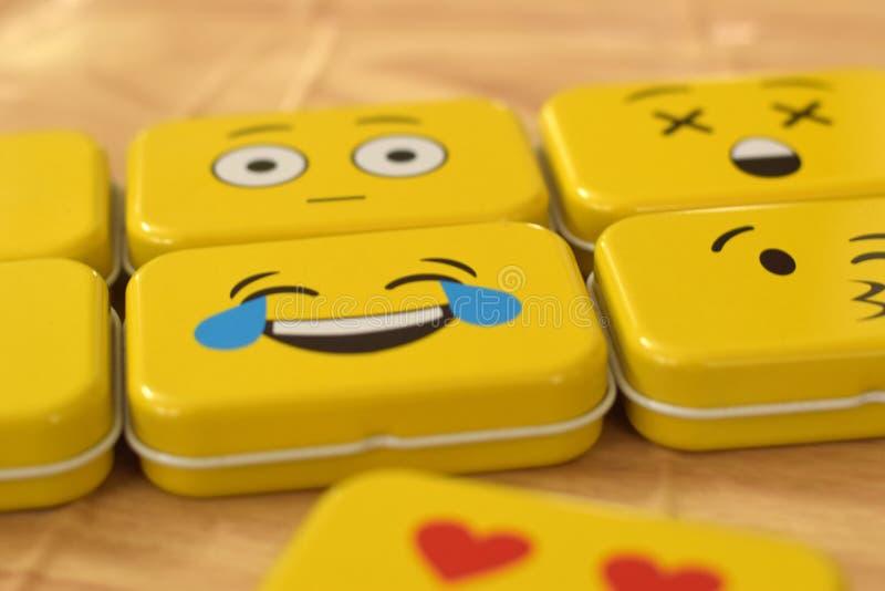 Emoji金属罐子 库存照片